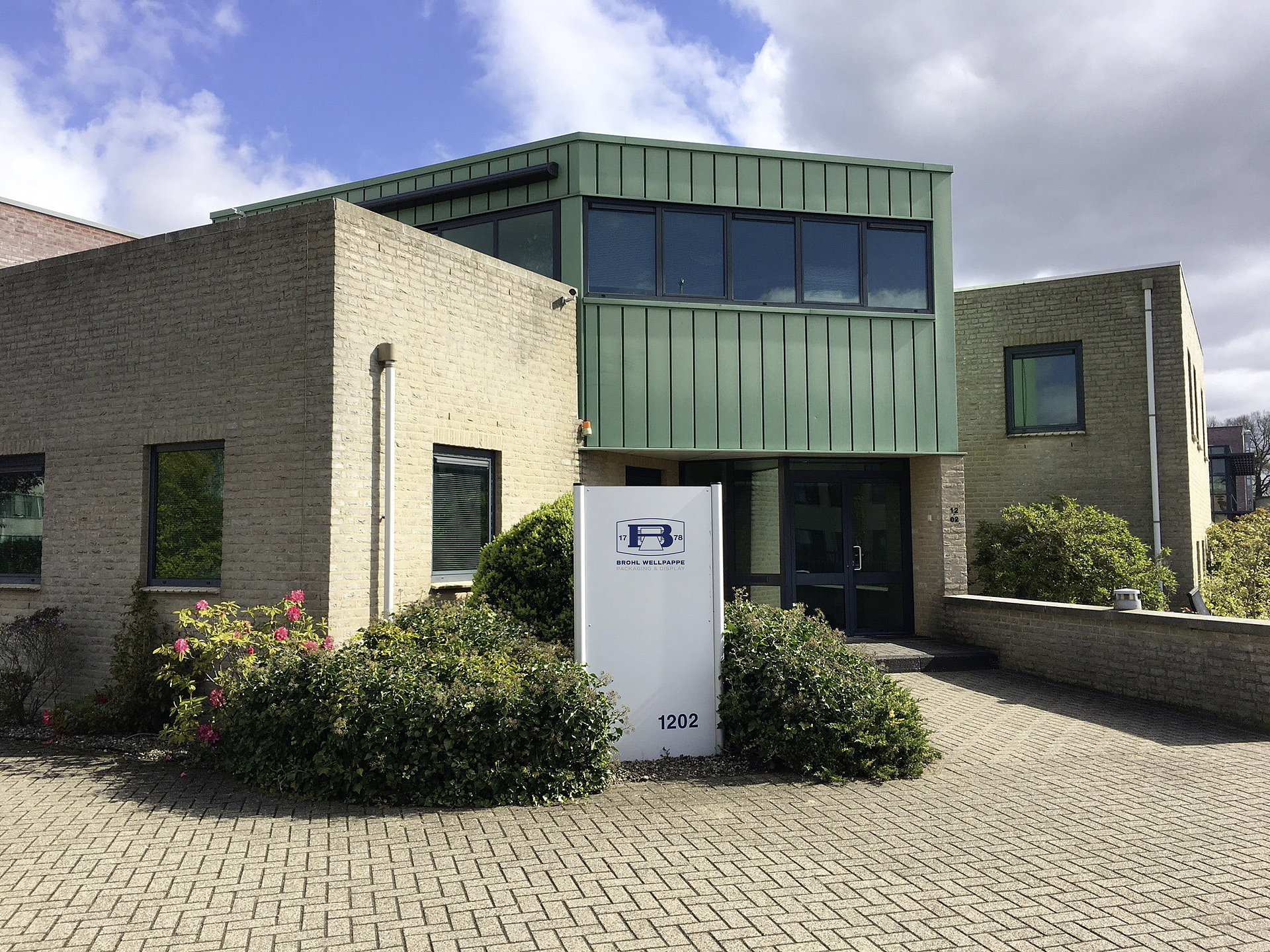 Büro Nijmegen Brohl Wellpappe