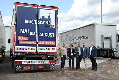 Werbung für Burgfestspiele Mayen von Brohl Wellpappe LKW-Werbung