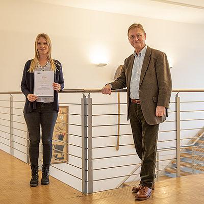 Auszeichnung für herausragende Leistungen an Brohl Wellpappe Azubi in Mayen