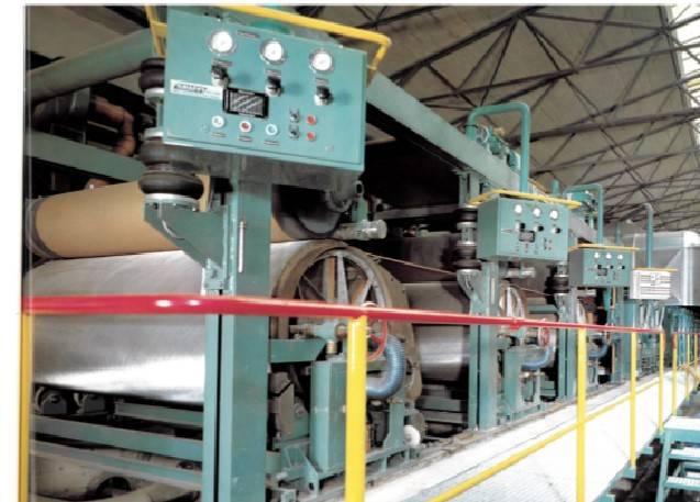 Historische Aufnahme Ahrbrück Produktion Brohl Wellpappe