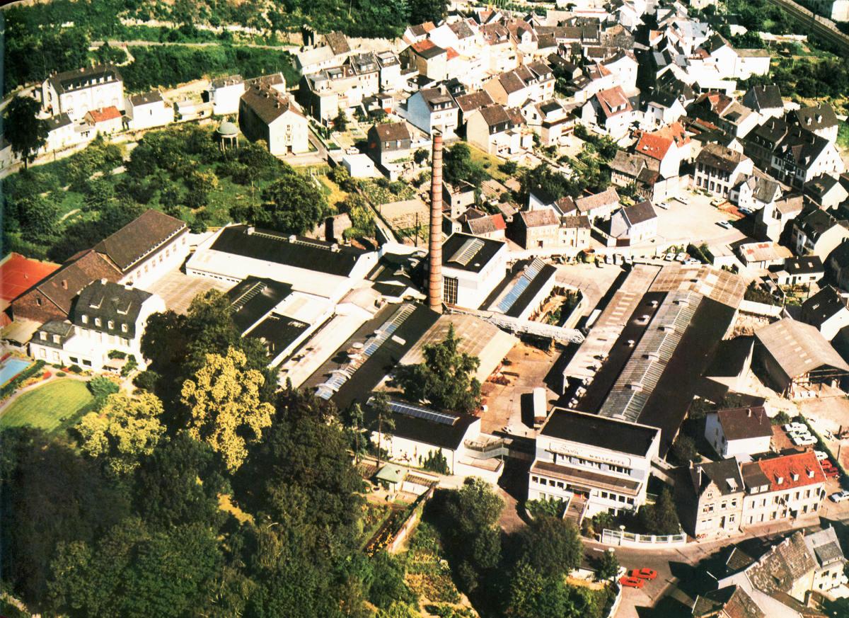 Luftaufnahme Papierfabrik 1996 Brohl Wellpappe